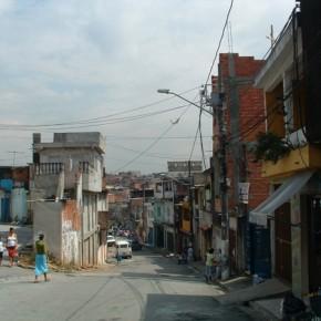 3_Ruy Ohtake, interventi di stabilizzazione nella favela di Heliopolis, San Paolo, Brasile (fotografie Andrea Vercellotti)