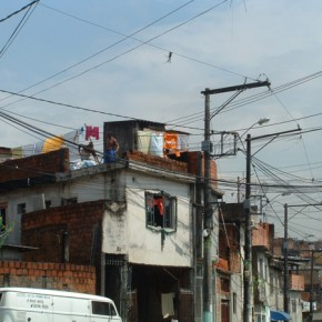 4_Ruy Ohtake, interventi di stabilizzazione nella favela di Heliopolis, San Paolo, Brasile (fotografie Andrea Vercellotti)