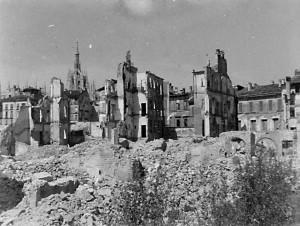 Milano rasa al suolo.Bombardamenti nel 1943-45.